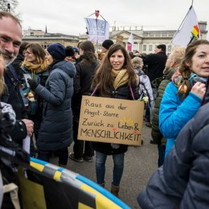 """Einsatzpolizist erzählt von friedlichen Corona-Protesten und sieht """"Versammlungs-Lockdown"""" kritisch"""