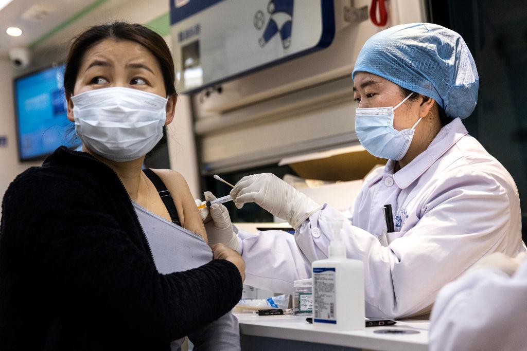 China setzt Corona-Zwangsimpfung radikal durch – KP-Kader verhindert jedoch mit allen Mitteln Selbstimpfung