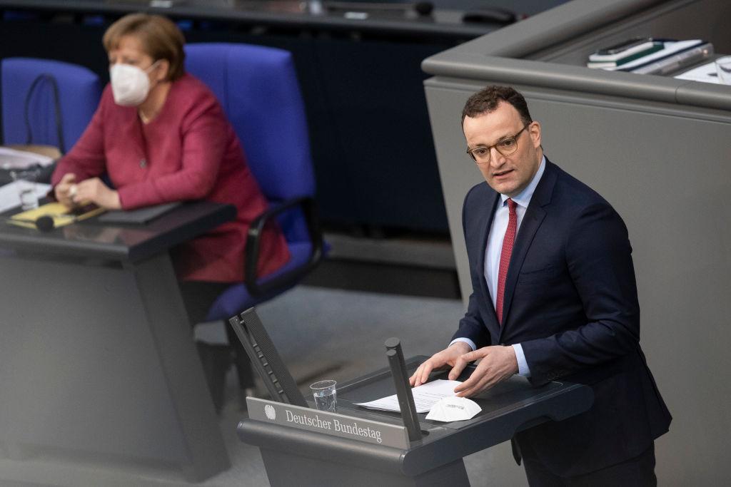 """Presse zu Infektionsschutzgesetz: Von """"Kein Ermächtigungsgesetz in NS-Tradition"""" bis """"Geschenk für Extremisten"""""""