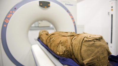 Polnische Forscher entdecken schwangere ägyptische Mumie