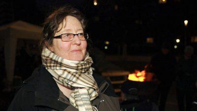 """Bäuerin übt scharfe Kritik an Politikern: """"Sie sind korrupt, sie belügen und verhöhnen uns"""" + Video"""