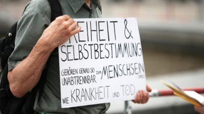 Video: Corona-Demo in Frankfurt durch Stadt verboten – Polizei geht rigoros gegen Corona-Maßnahmen-Kritiker vor