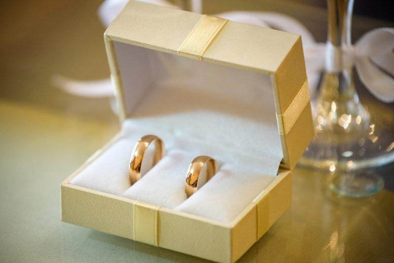 Verband der Juweliere fordert: Persönlicher Trauring-Kauf muss möglich sein