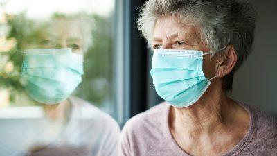 Impfung gegen Corona oder Isolation? – Altenheim-Kantinen-Fall vor Bundesverfassungsgericht