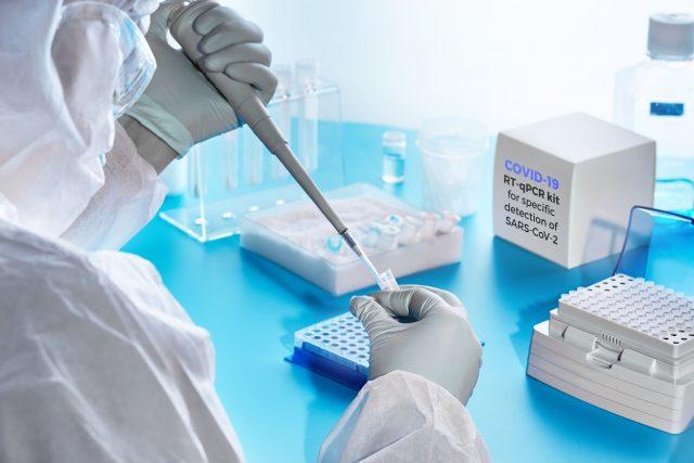 """""""Moderne Trojaner"""": Geheimdienstler warnen vor möglichen genetischen Analysen durch COVID-19-Tests"""