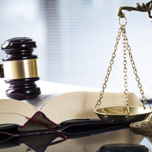 Nach Weimar-Urteil zu Maskenpflicht in Schulen: Strafanzeige gegen Richter – Weilheimer Amtsgericht trifft ähnliches Urteil