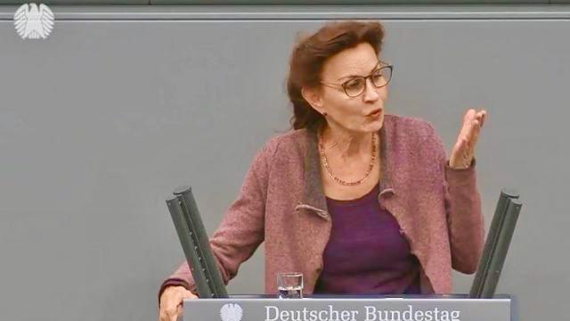 """Armutszeugnis"": Linken-Politikerin Jelpke kritisiert über 20.000 falsche BAMF-Bescheide in 2020"