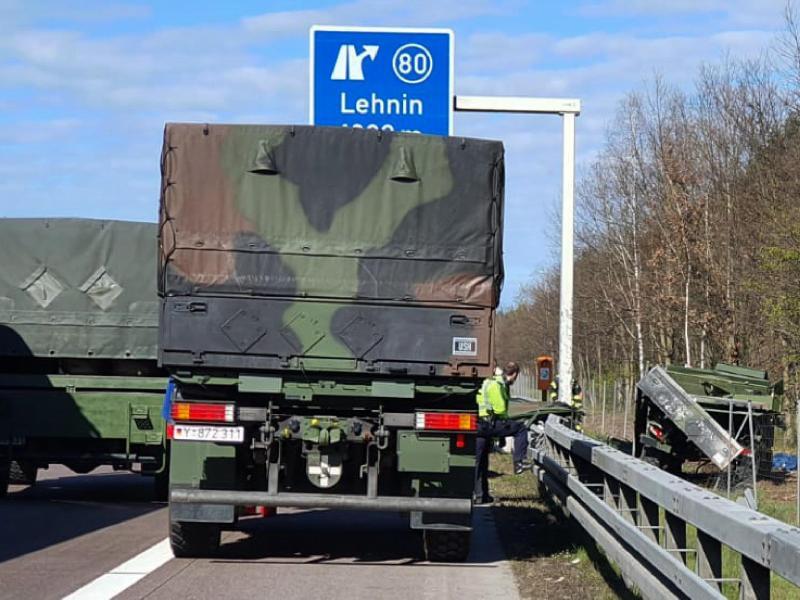 Zwei Bundeswehrsoldaten bei Unfall auf A2 getötet