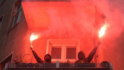 """""""Von der Krise zur Enteignung"""": Knapp 1.000 Demonstranten im Berliner Wedding"""