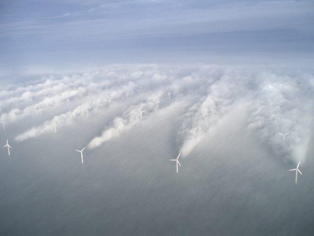 """Turbulenzen """"Wake Effekt"""" hinter Windkraftanlagen."""