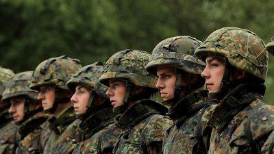 Verzweiflung in der Bundeswehr – Wehrbeauftragte kritisiert Reformpläne von Kramp-Karrenbauer
