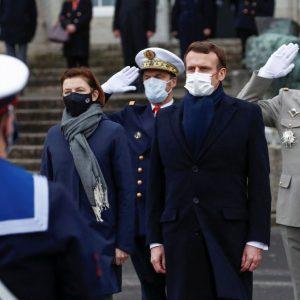 """Militärs zu Macron: """"Ein Bürgerkrieg braut sich in Frankreich zusammen, und das wissen Sie ganz genau"""""""