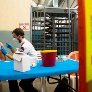Experten zu Impfkampagne in Israel: Noch nie hat ein Impfstoff so viele Menschen geschädigt