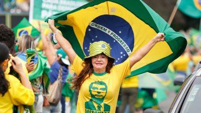 Tausende Unterstützer von Brasiliens Präsident Bolsonaro gehen auf die Straßen