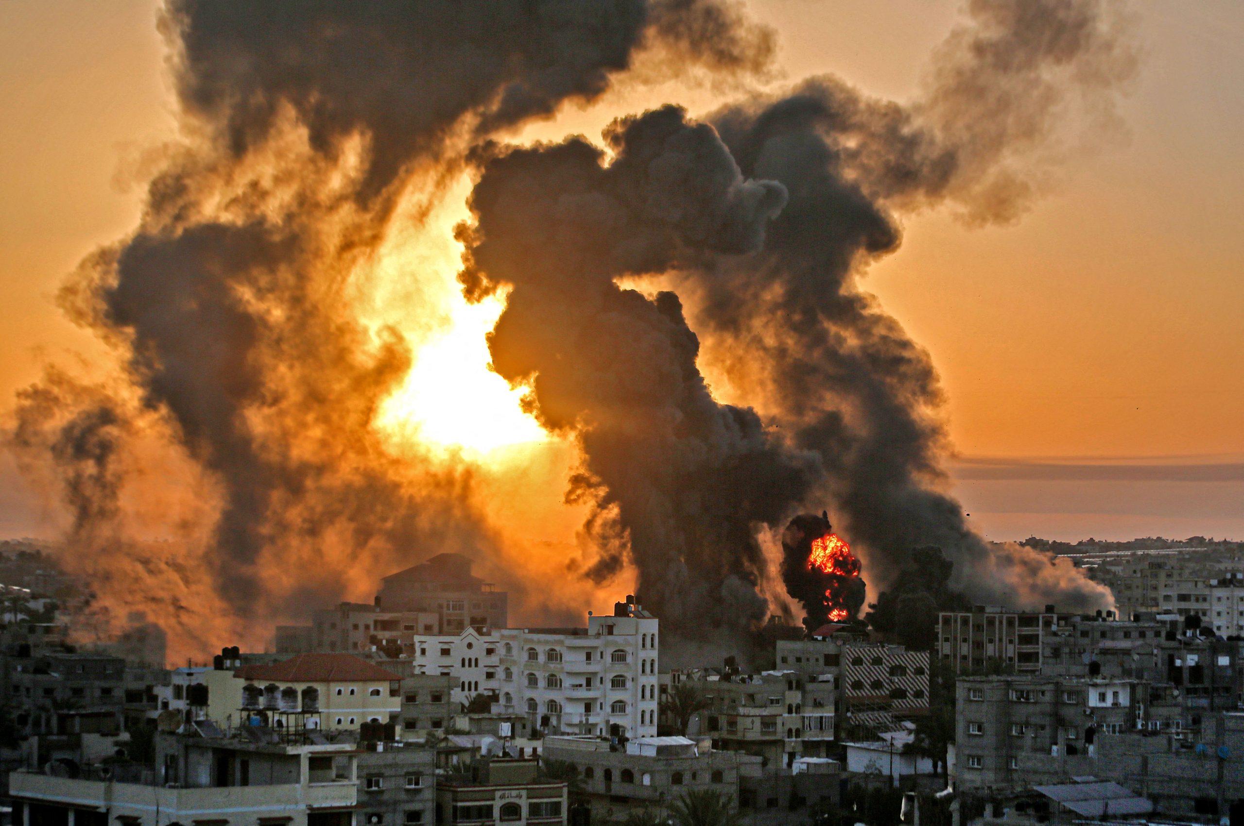 """Maas wirft Hamas """"Raketenterror"""" gegen Israel vor – Steinmeier verurteilt antisemitische Krawalle in Deutschland"""