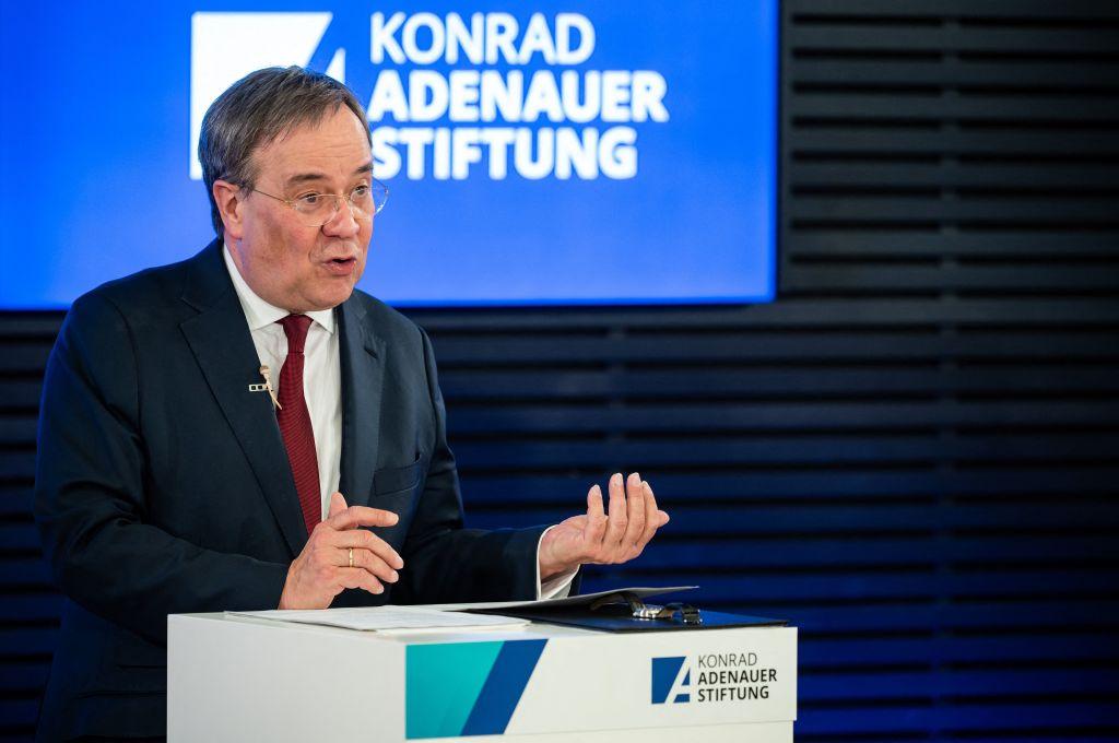 Laschet fordert Kanzlerkandidaten heraus: Klares Bekenntnis zur NATO und zu Zwei-Prozent Verteidigungsausgaben