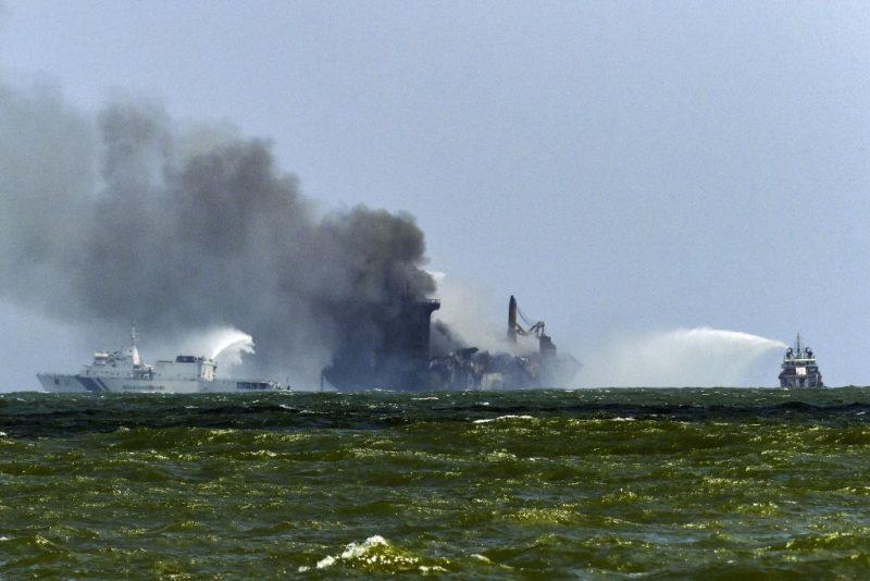 Sri Lanka droht nach Schiffsunglück Umweltkatastrophe