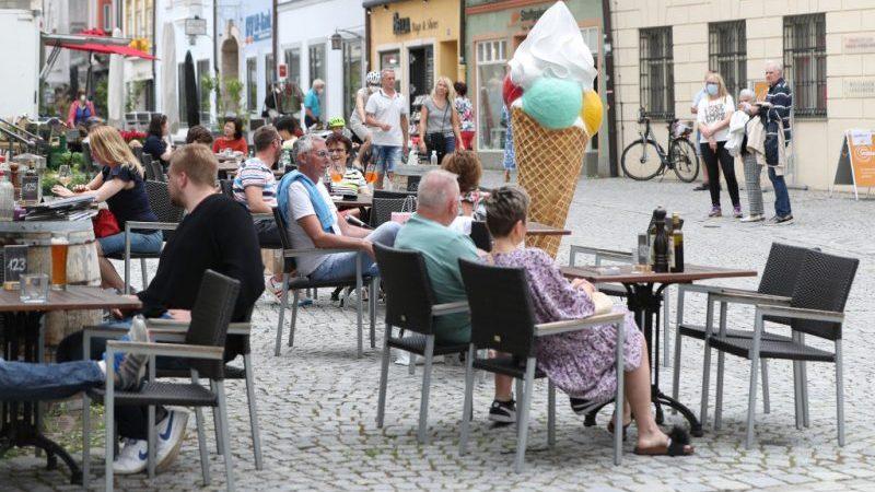 Rheinland-Pfalz und Saarland heben Corona-Testpflicht für Außenaktivitäten auf
