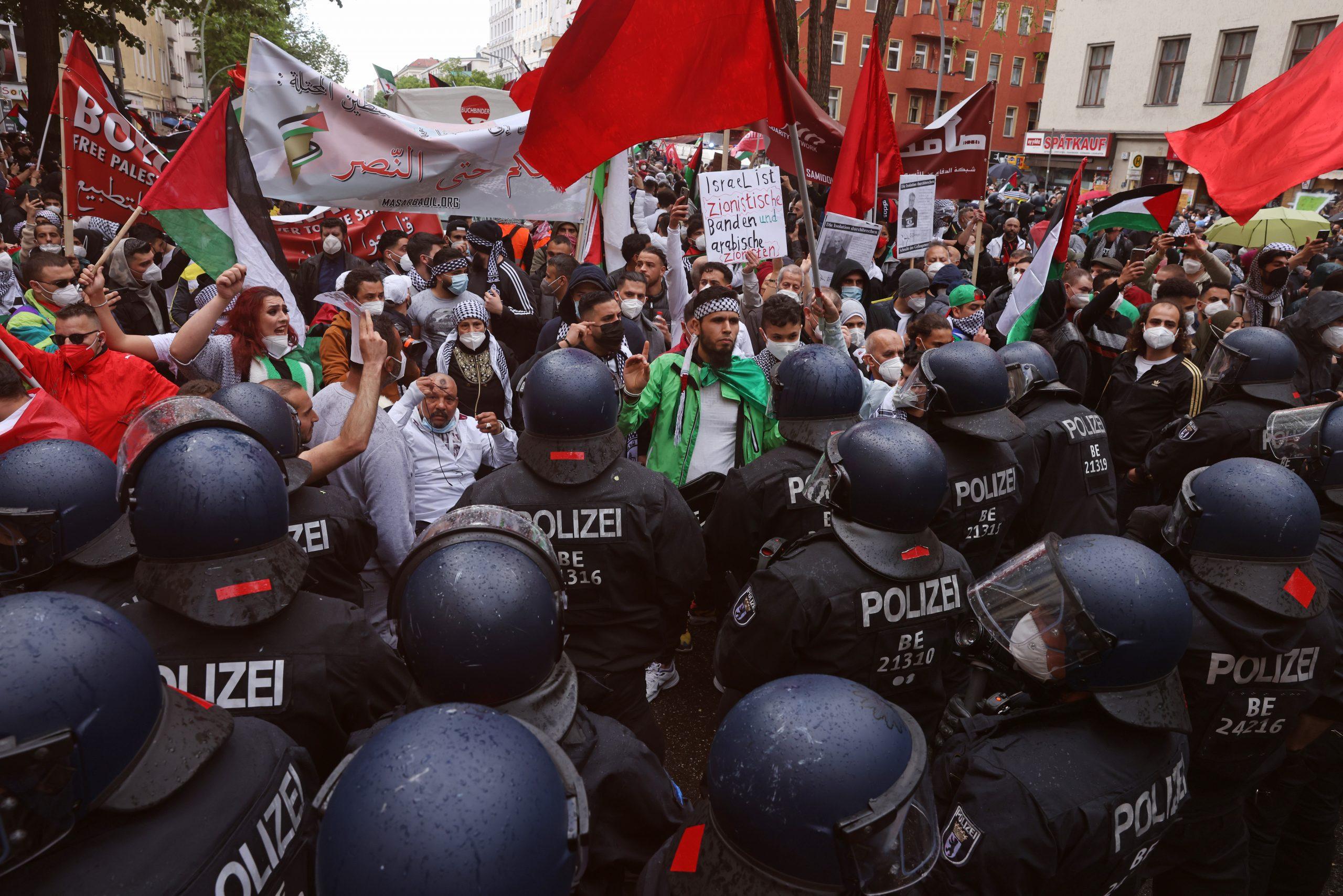 Pro-Palästinenser-Demo in Neukölln eskaliert – 59 Festnahmen, 93 verletzte Polizisten