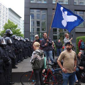 Querdenker wollen trotz Verbot am Sonntag in Berlin protestieren