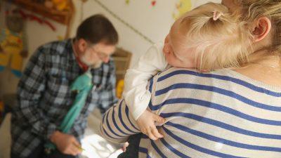 """""""Es ist ein Weltexperiment"""": Virologe Kekulé warnt vor Schnellschüssen bei Kinderimpfung"""