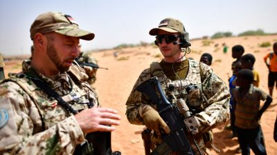 Islamistische Angriffe: Kramp-Karrenbauer schließt deutsche Beteiligung an EU-Einsatz in Mosambik aus