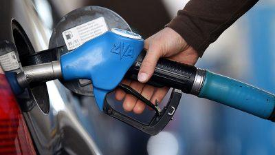 Preise für Kraftstoffe gestiegen: Superbenzin im April fast ein Viertel teurer als im Vorjahr