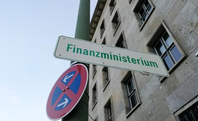 Regierung rechnet künftig mit höheren Steuereinnahmen – Kommunen fordern massive Finanzhilfen