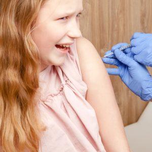 """Impfpflicht für Schüler? Ärzte warnen: """"Menschenrechte nicht für Pharmaexperimente opfern"""""""