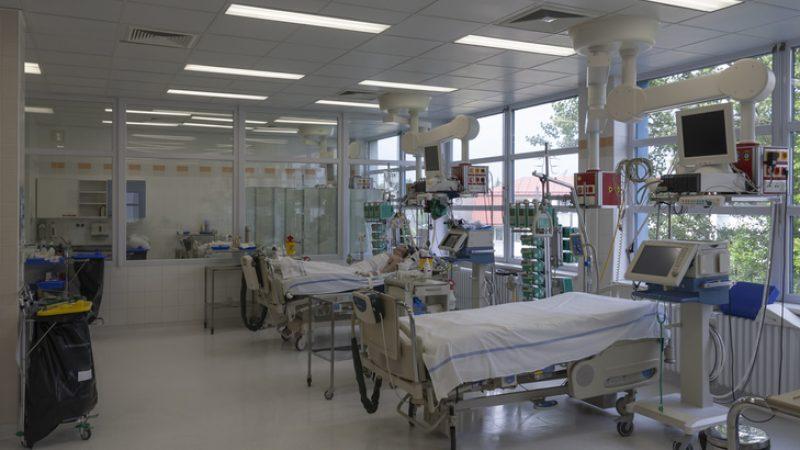 Analyse eines Insiders: Anzahl freier Intensivbetten nicht wegen COVID-19 gesunken