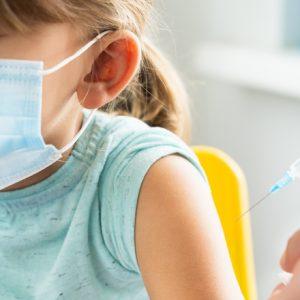 Schulbesuch nur nach COVID-19-Impfung? – Das sagen Mediziner