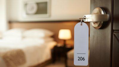 Esken will Gaststätten und Hotels nicht für Geimpfte und Genesene öffnen – Tourismusbeauftragter: Keine Reisen über Pfingsten