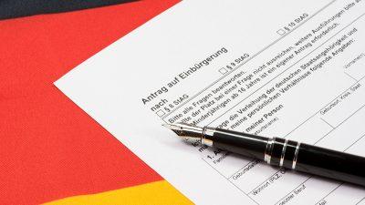 Zahl der Einbürgerungen in Deutschland um 15 Prozent gesunken