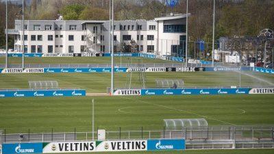 Schnelltest fällt positiv aus: Schalke-Spieler in Isolation