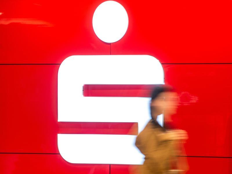 Sparkassen gegen neue Bargeld-Regeln der Bundesfinanzaufsicht