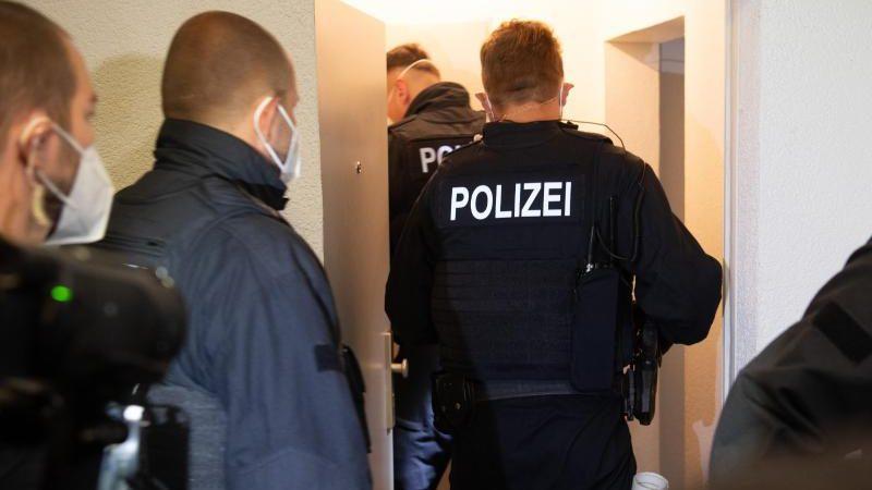 Fünf Festnahmen bei Razzia gegen mutmaßliche Menschenhändler in NRW und Hamburg