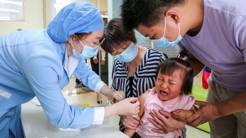 China lässt als erstes Land Corona-Impfungen für kleine Kinder zu