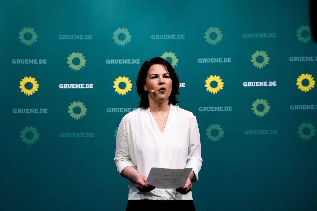 """Kommentare aus den Parteien: CDU-Erfolg """"sensationell"""" – """"Baerbock-Zug entgleist"""" – SPD abgestürzt"""