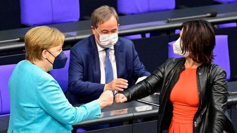 Merkel mahnt ehrliche EU-Coronapolitik-Bilanz an – Lob und Kritik nach letzter Regierungserklärung