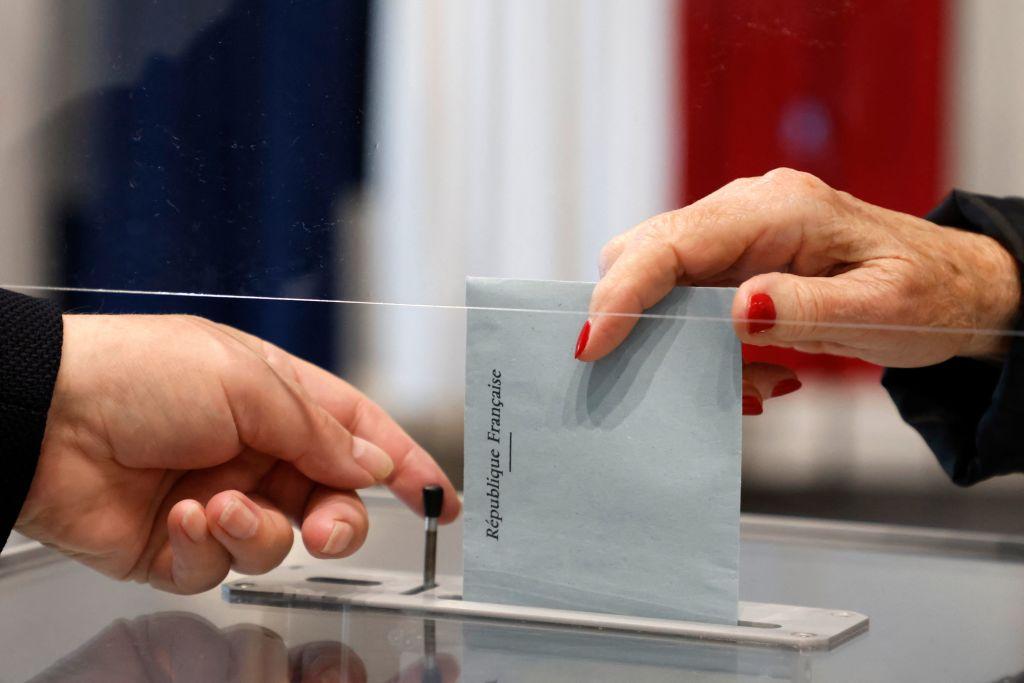 Frankreich: Erneut niedrige Wahlbeteiligung bei Regionalwahlen