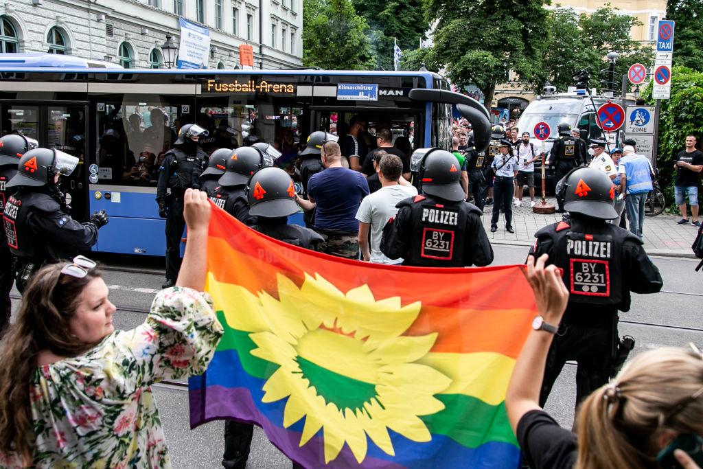 Kritik an Gesetz gegen Werbung für Homosexualität – Polnischer Botschafter verteidigt Ungarn