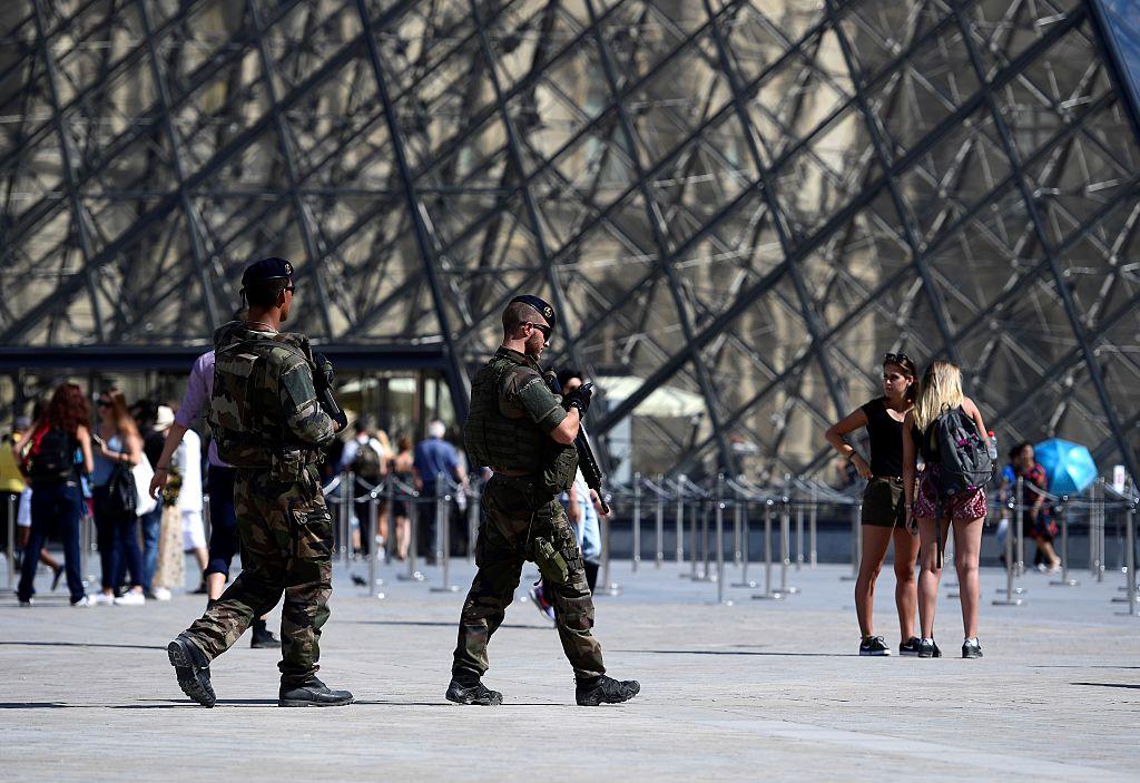 Islamistischer Louvre-Attentäter in Paris zu 30 Jahren Haft verurteilt