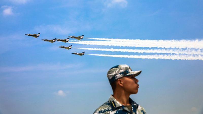 """China begründet Überflug umstrittener Seegebiete mit """"Routine-Übung"""""""