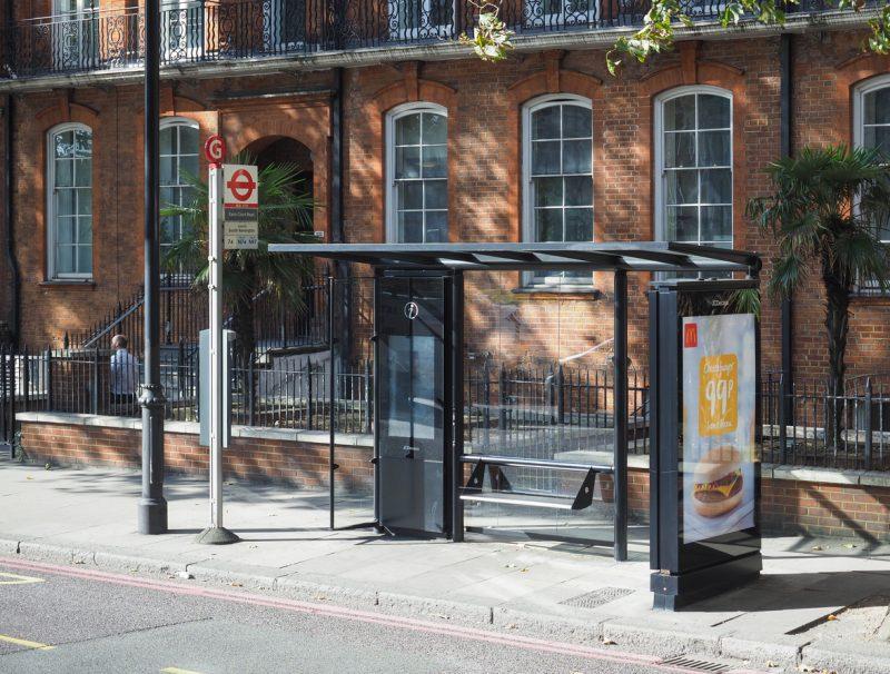 Britische Geheimdokumente an Bushaltestelle in England gefunden