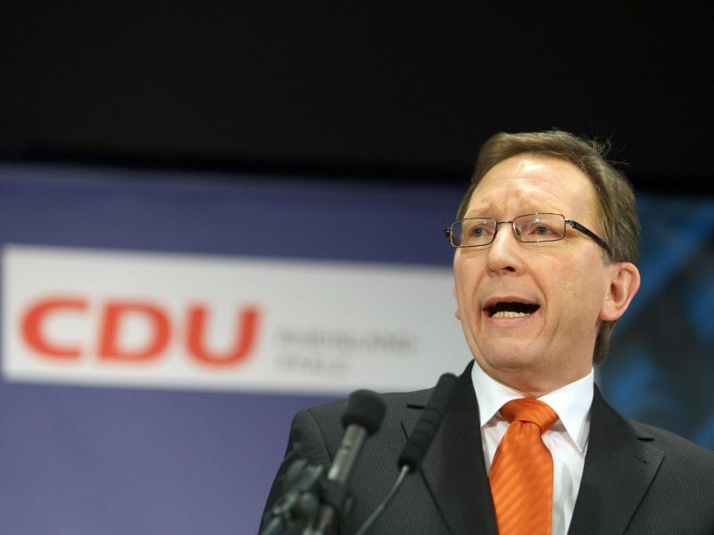 CDU-Politiker Rüddel: Deutschland wird auch in fünf Jahren noch Maske tragen