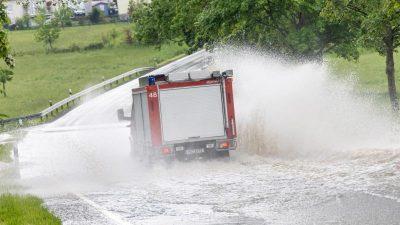 Erneut vielerorts Schäden durch Gewitter mit Starkregen und Sturm