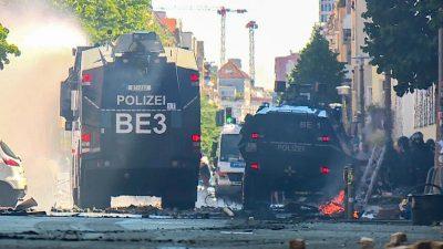 """Berlin: Langwieriger Polizeieinsatz wegen Brandschutzprüfung in """"Rigaer 94"""" + VIDEO"""