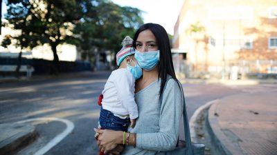 Studie: Eltern mit Minderjährigen leiden am stärksten unter Corona
