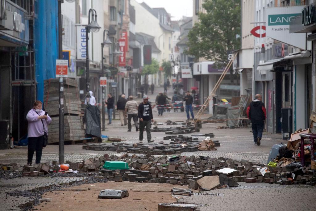 Linnemann fordert zentralen Krisenstab in Berlin – Anwaltverein bietet kostenlose Rechtsberatung