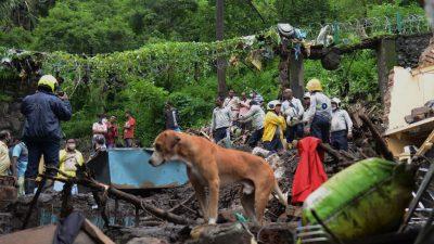 Zahl der Todesopfer bei Erdrutschen in Indien steigt auf mindestens 76